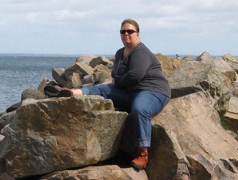 Einmal die Tochter absetzen - Annika August 2009 auf dem Stein