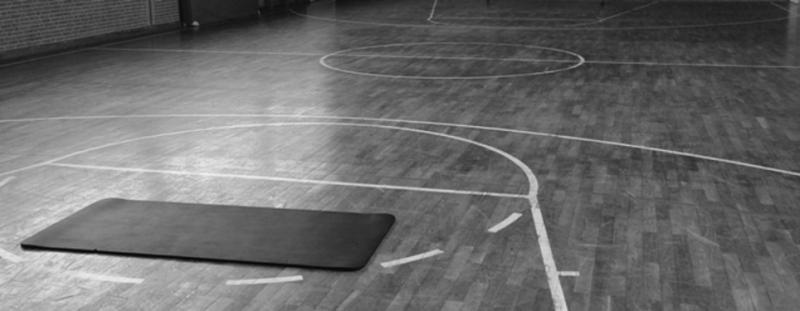 Aufbau für die Sportkurse in der Halle
