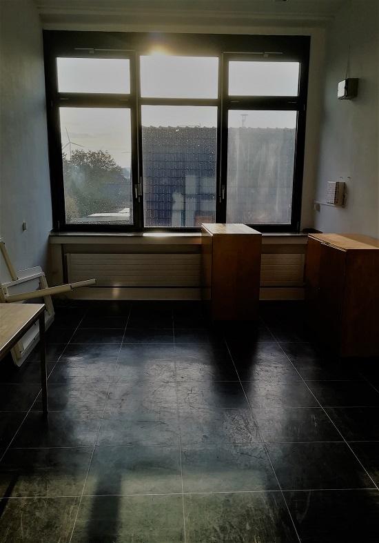 Fensterseite des neuen LCHFplus Büro vorher