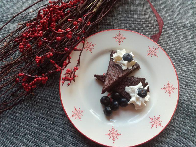 LCHF Dessert und Leckerchen - Foto von Kladdkaka mit Sahne und frischen Blaubeeren